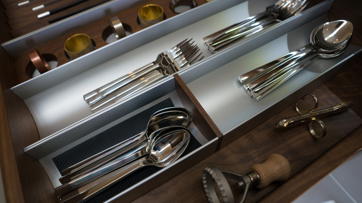 BIN by Arbor Mills Walnut and Stainless Dividers for Silverware