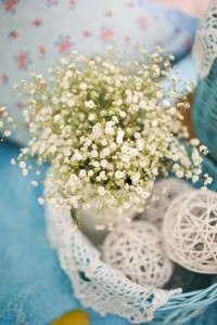 baby's breath -Add pops of color to your white kitchen.
